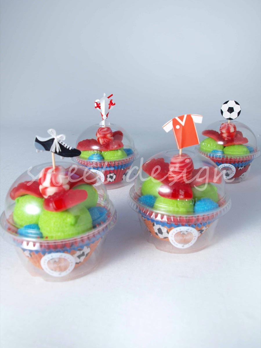 Vasito cupcake con adorno de f tbol sweet design - Como hacer figuras con chuches ...