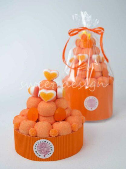 Tarta de chuches color naranja