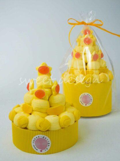Tarta de chuches color amarillo