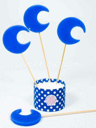 Vela azul con forma de luna