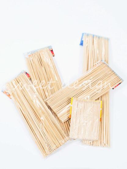 Pinchos de madera para brochetas de chuches de todos los tamaños