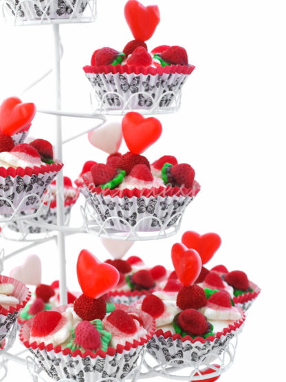 Cup cakes de golosinas en rojo para boda