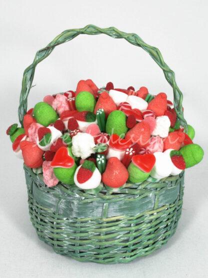 Cesta de chuches fresa nata manzana