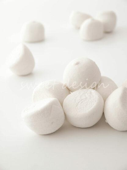 Chuches blancas para montar mesas dulces