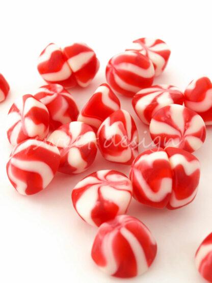Golosinas fresa y nata rojas y blancas