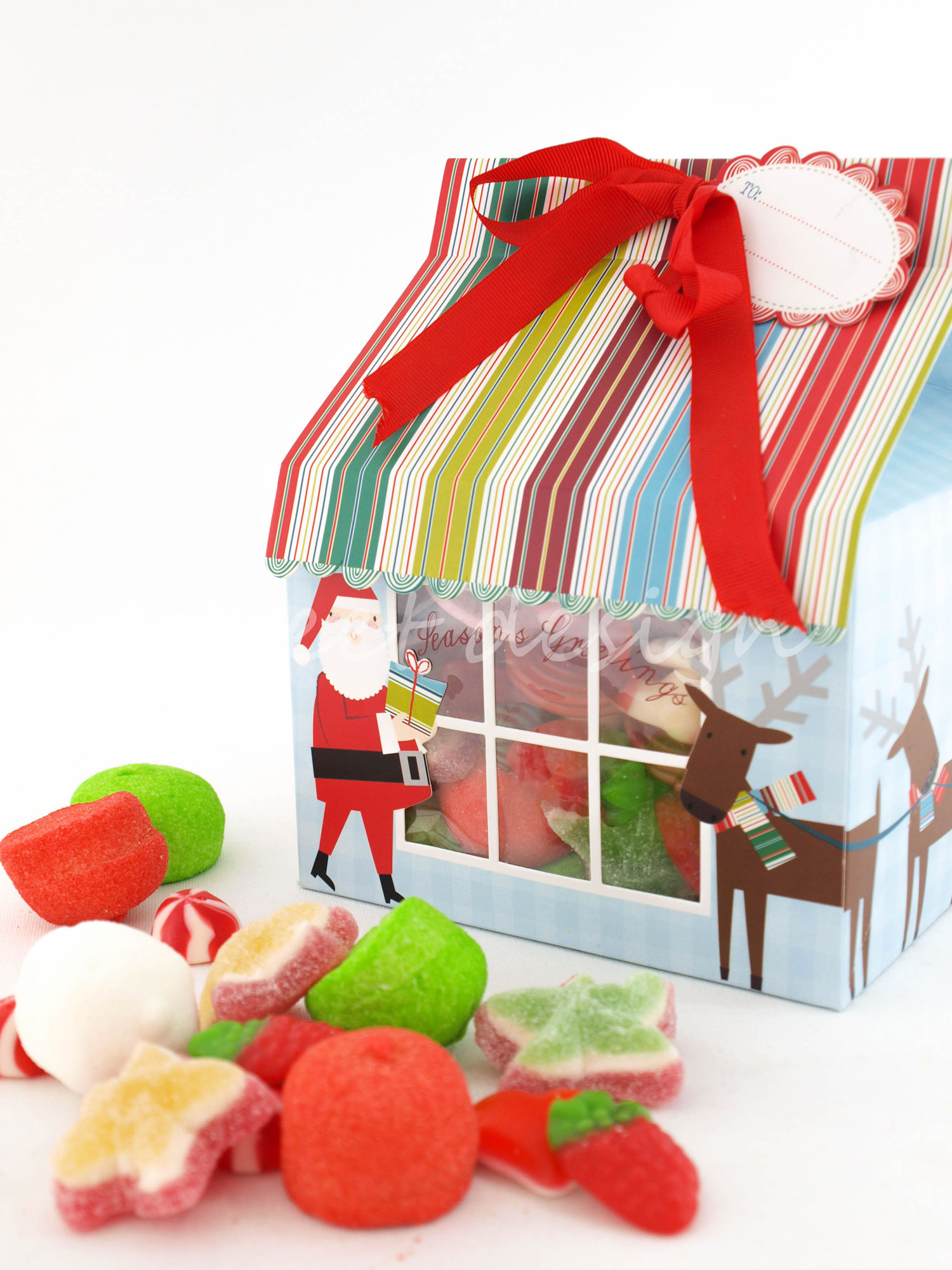 Casita de navidad con chuches s lo casita sweet design for Casita de plastico para jardin