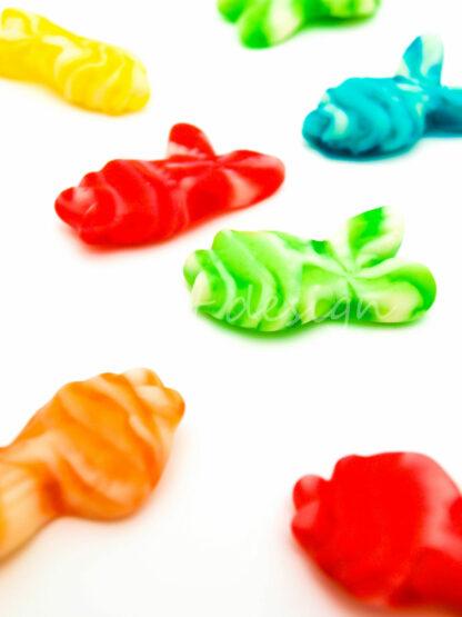 Gominolas de peces de colores twist