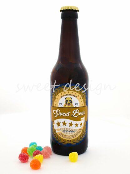 Botella de cerveza rellena de gominolas