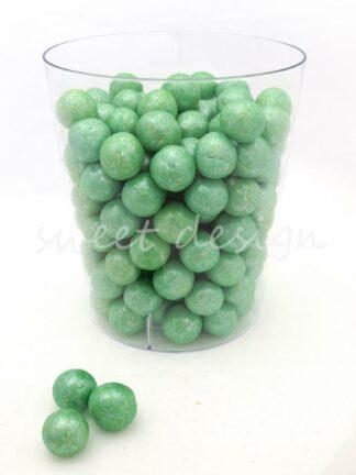 Bolas verdes de chocolate al peso
