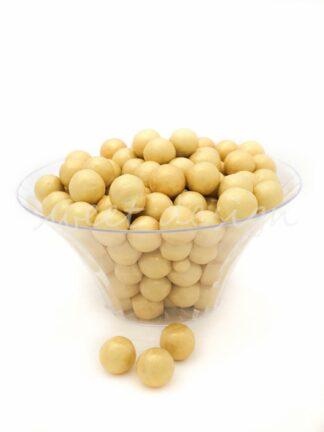 Fuente con bolas amarillas