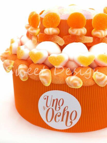tarta de chuches naranja personalizada