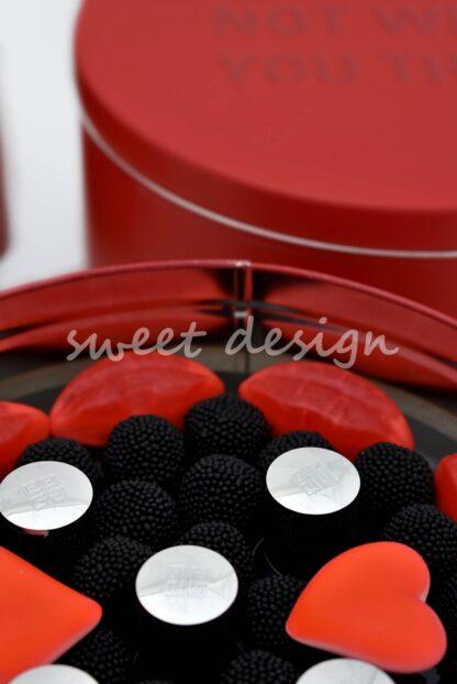 detalles de empresa con colores corporativos
