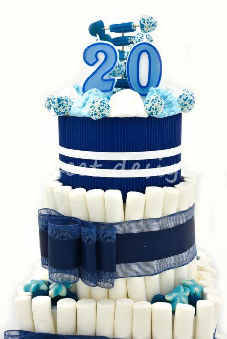 tarta de aniversario con chuches para empresas
