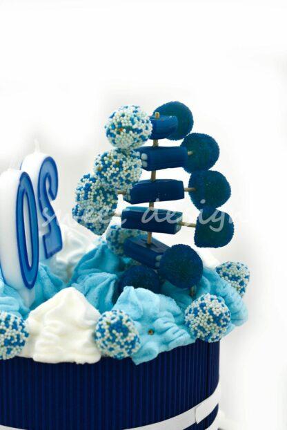 tarta de golosinas personalizada con colores corporativos