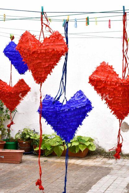piñata de cartón hecha a mano para empresas