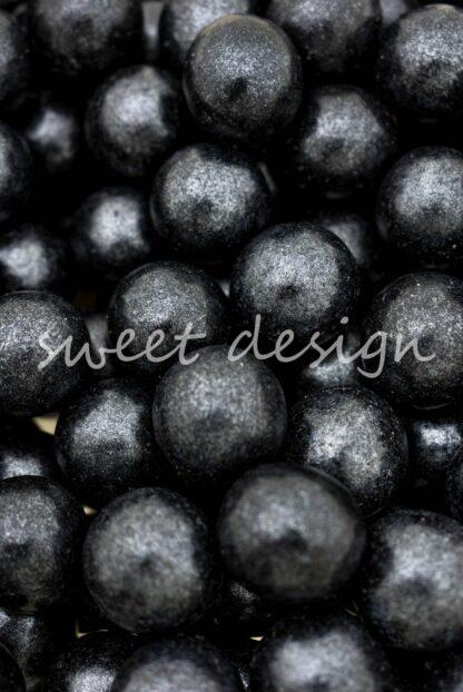 Bolas Negras de Chocolate Blanco y Cereal