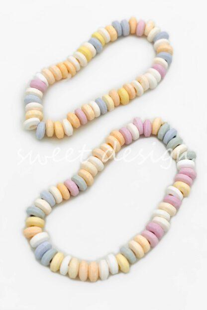 collares multicolor de caramelo